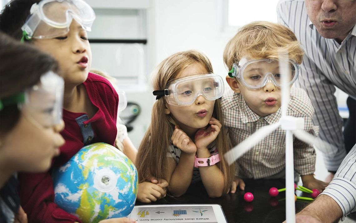 children-learning-science-at-school